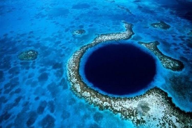 Büyük Mavi Çukur Belize